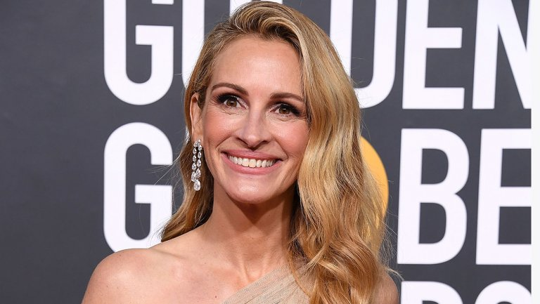 julia_roberts_arrives_at_the_76th_annual_golden_globe_awards_-_getty_-_h_2019.jpg