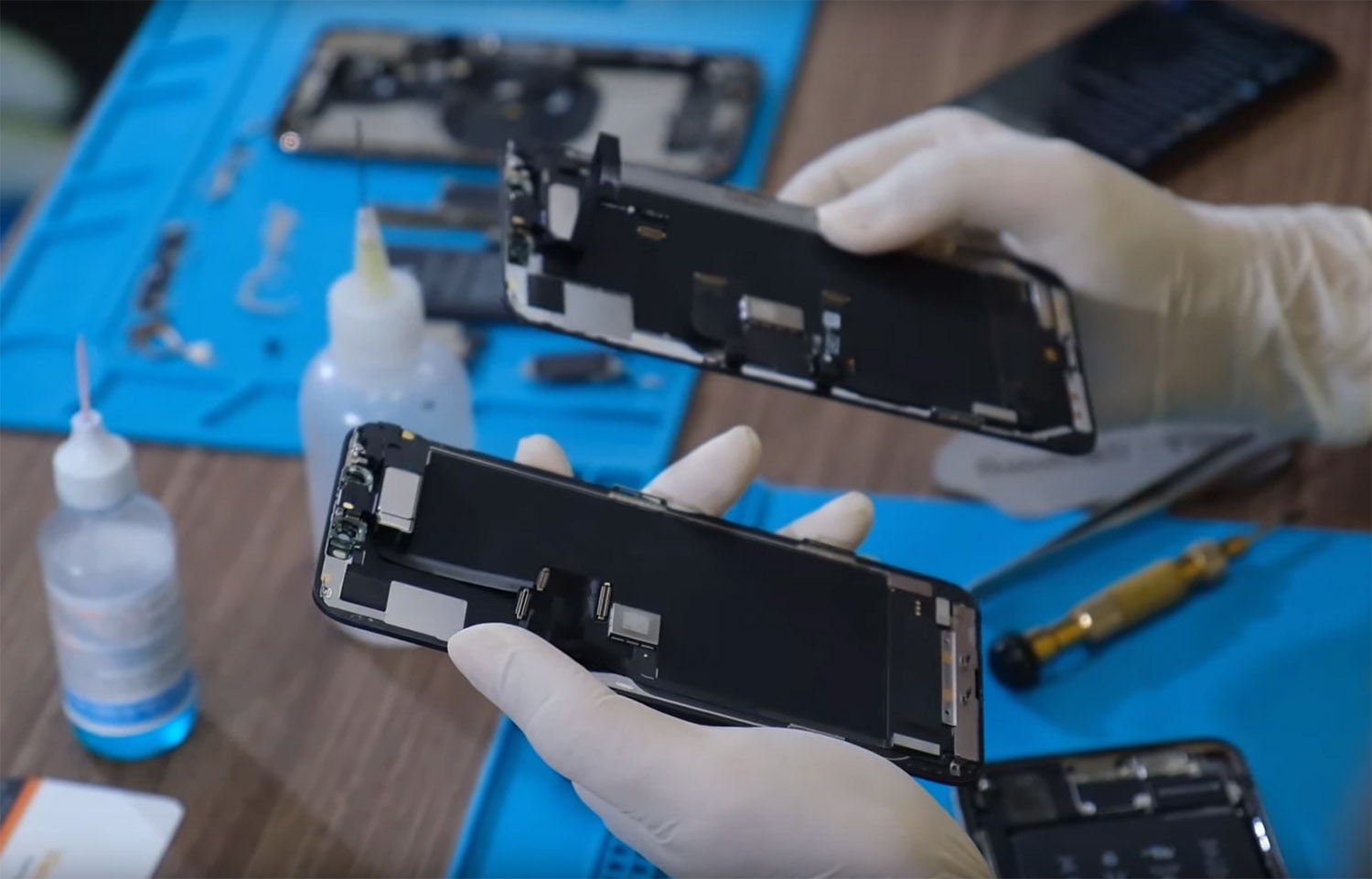 iPhone-11-Pro-Max-teardown.jpg