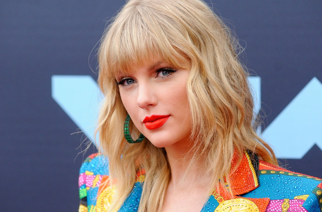 taylor-swift-vmas-2019-x-billboard-rc-1548-1024x677.jpg
